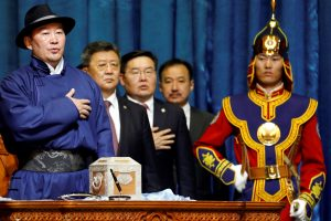 Mongolia's new president Khaltmaa Battulga takes an oath during his inauguration ceremony in Ulaanbaatar, Mongolia 10 July 2017. (Photo: Reuters/ B. Rentsendorj).