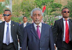East Timor Prime Minister Mari Alkatiri (C) walks after his swearing-in ceremony in Dili, East Timor, 15 September 2017. (Photo: Reuters/Lirio Da Fonseca).