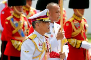 Thailand's King Maha Vajiralongkorn takes part in a procession to transfer the royal relics and ashes of late King Bhumibol Adulyadej from the crematorium to the Grand Palace in Bangkok, Thailand, 27 October 2017. (Photo: Reuters/Jorge Silva).