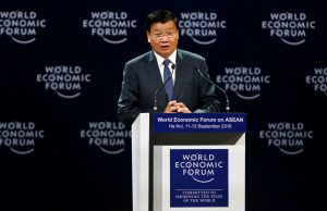 Laos' Prime Minister Thongloun Sisoulith speaks at the plenary session of the World Economic Forum on ASEAN at the Convention Center in Hanoi, Vietnam, 12 September 2018 (Reuters/Kham).