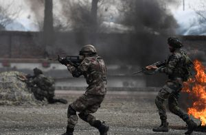 Soldiers from Chinese People's Liberation Army (PLA) and Indian Army take part in the 'Hand in Hand' joint military exercise in Chengdu, Sichuan province, China, 22 December 2018 (Photo: Reuters/ An Yuan).