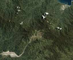 The Panguna mine is seen in Bougainville, Papua New Guinea, in this Planet Labs satellite photo received by Reuters 26 September, 2017 (Photo: Reuters/Hammond).