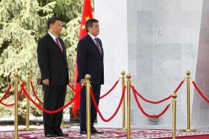 China's President Xi Jinping and Kyrgyzstan's PresidentSooronbayJeenbekov attend a welcoming ceremony ahead of their talks in Bishkek, Kyrgyzstan 13 June 2019 (Reuters/VladimirPirogov).