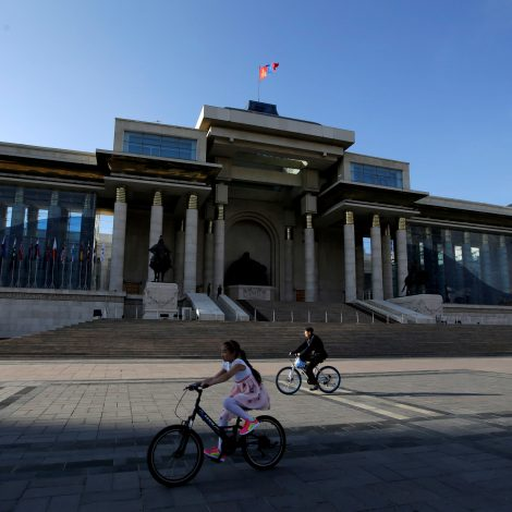 Landslide victory for MPP incumbents as Mongolians vote in record numbers