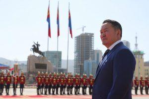 Mongolian President Khaltmaa Battulga waits before a welcoming ceremony ahead of diplomatic talks in Ulaanbaatar, Mongolia, 3 September 2019 (Photo: Sputnik/Mikhail Klimentyev via Reuters).
