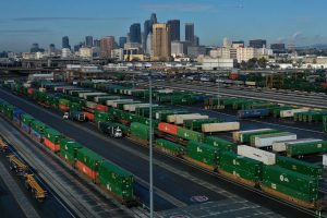 Shipping containers sit on train tracks downtown as the spread of the coronavirus disease (COVID-19) continues in Los Angeles, California, 7 April 2020. (Photo: REUTERS/Lucy Nicholson).