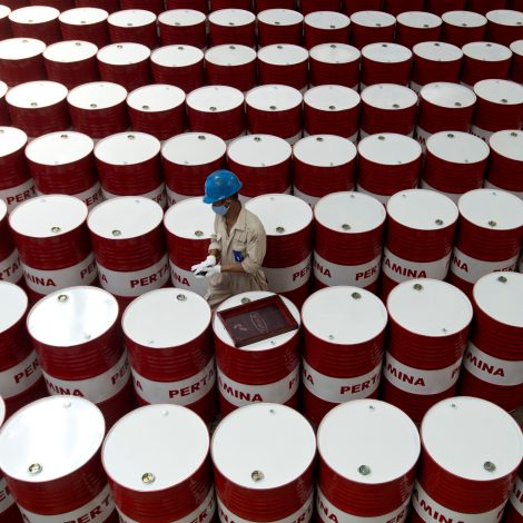 COVID-19 punishes Indonesian commodity exporters